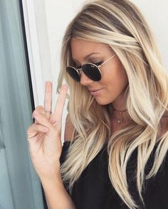 55 Blonde Balayage Hair Styles Looks to Envy Blonde Bangs, Blonde Roots, Brown Blonde Hair, Beliage Hair, New Hair, Love Hair, Great Hair, Pelo Popular, Celebrity Long Hair