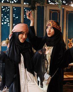 Muslim, Ootd, Photoshoot, Womens Fashion, Exo, Instagram, Photo Shoot, Women's Fashion, Islam