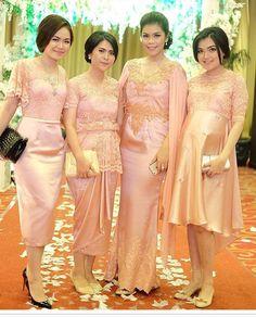 Gold Prom Dresses, Blue Wedding Dresses, Cute Dresses, Dress Wedding, Bridesmaid Dress, Braids Maid Dresses, Dress Brukat, Kids Dress Clothes, Party Gowns