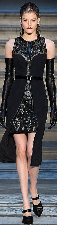 Julien Macdonald - F 15 Fashion Line, Girl Fashion, Fashion Show, Fashion Walk, Fashion Details, Julien Macdonald, Cocktail Outfit, Dress Me Up, Couture Fashion