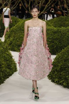 Dior Haute Couture Spring-Summer 2013 – Look 38: Two layered embroidered pale pink tulle bustier evening dress.. Discover more on www.dior.com #Dior#PFW