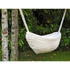 SLAAPJE SLAAPJE LEKKER IN DE WOL (wieg) // crocheted baby cradle