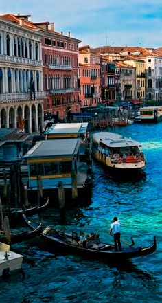 Venice-iphone-5s-parallax-wallpaper-ilikewallpaper_com.jpg (744×1392)