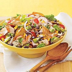 Nothing short of spicy, the Chipotle Dressing packs a punch in Chopped Chicken Taco Salad. If you prefer a milder dressing in this main-dish salad, tame the heat by using less adobo sauce. For more fire, add more sauce 1 teaspoon at a time. Main Dish Salads, Dinner Salads, Main Dishes, Chipotle Dressing, Avocado Dressing, Taco Salat, Pre Cooked Chicken, Fried Chicken, Mexican Food Recipes