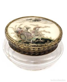 Pequeño joyero de cristal con tapa pintada y lacada, China, periodo República. - Foto 1