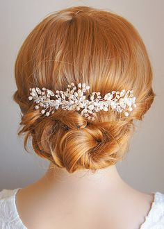 Hey, I found this really awesome Etsy listing at http://www.etsy.com/listing/128000284/izarra-bridal-headband-freshwater-pearl