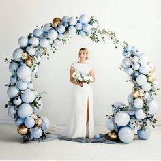 Artistic DIY Balloon Decorating Ideas and Arrangements - Ballon iDeen ? … in 2020 Balloon Arch Diy, Ballon Arch, Wedding Balloon Decorations, Balloon Backdrop, Wedding Balloons, Ceremony Backdrop, Balloon Garland, Bridal Shower Decorations, Balloon Ideas