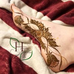 Mehndi Designs for Foot and Legs these are some Precious designs that we got for you this time. In these Mehndi Designs, some are best for the Bride for Weeding you can also have these designs on the Special Events, Party and Special Occasions. Peacock Mehndi Designs, Khafif Mehndi Design, Modern Henna Designs, Latest Bridal Mehndi Designs, Mehndi Designs 2018, Henna Art Designs, Mehndi Designs For Girls, Mehndi Designs For Beginners, Mehndi Design Photos