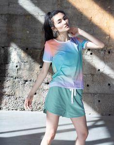 Lockere kurze Hose aus leichtem Sweatstoff mit elastischem Bund mit Kordel und zwei Seitentaschen. Bikini, Skinny, Shorts, Jeans, Style, Fashion, Sustainable Fashion, Side Bags, Trousers