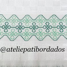 Kasuti Embroidery, Swedish Embroidery, Indian Embroidery, Embroidery Stitches, Blackwork Cross Stitch, Cross Stitch Borders, Cross Stitch Designs, Hand Embroidery Videos, Embroidery Techniques