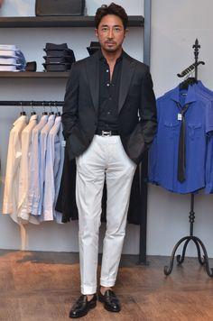 干場義雅氏がdecolloシャツ(DLP-H06 BLK)を着て下さっています。