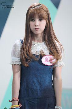 APink ChoRong Kpop Girl Groups, Korean Girl Groups, Kpop Girls, Korean Women, South Korean Girls, Pretty Hairstyles, Pink Hairstyles, Korean Hairstyles, Korean Star