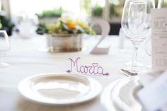 Marca-sitios personalizados de www.quevivalanovia.es Table Decorations, Furniture, Home Decor, Wedding Inspiration, Bodas, Room Decor, Home Interior Design, Home Decoration, Interior Decorating