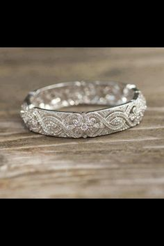 Most beautiful wedding ring !
