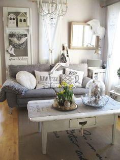 olohuone,löytö,sohvaryhmä,koriste-esineet,sohva,koristetyynyt,maalaishenki,maalaisromanttinen,maalaisromanttinen sisustus