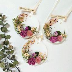 オーダーをいただいたwhiteのサシェ♡只今リングサシェを制作中です♬ #chubby_round #handmade#natural#materials #aroma#sachet#aromabar #essentialoil#botanical #wax#flower#herb#dryflower #present#gift#minne #アロマ#アロマキャンドル #ワックスサシェ#ボタニカル #自然素材#ハンドメイド #プレゼント#ギフト#インテリア