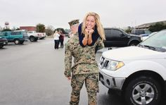 10 Stages Of Homecoming Week For A Military Spouse. Airforce Wife, Military Girlfriend, Marine Girlfriend Pictures, Army Boyfriend, Military Deployment, Boyfriend Ideas, Usmc Love, Military Love, Homecoming Week