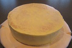 Jag får ofta frågor om tårttillverkning. Två vanliga frågor är hur tidigt man kan förbereda dekorationerna och om man kan göra tårtan dagen...