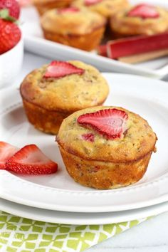 Grain-free Strawberry Rhubarb Chia Muffins