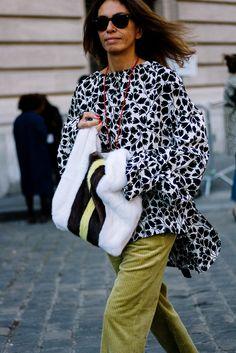 Street Style Paris Fashion Week Primavera Verano 2017 | Galería de fotos 24 de 280 | VOGUE