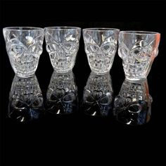 SHATCHI Set of 4 Halloween Clear Shot Glasses with Spooky Skull Shape Party Tableware Drink Accessories, Transparent Halloween Shots, Halloween Costumes For Teens, Halloween Goodies, Halloween Masks, Spooky Halloween, Halloween Themes, Halloween Decorations, Happy Halloween, Shot Glasses