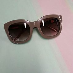 **gap sunglass Gently wprn, great condition GAP Accessories Sunglasses