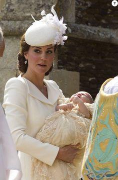 """Lady Di auprès de Kate Middleton et Charlotte : La photo """"céleste"""" à sensation..."""