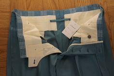 Pantaloni in lana colore celeste Tailoring Techniques, Sewing Techniques, Bespoke Tailoring, Pants Pattern, Formal Wear, African Fashion, Trousers, Menswear, Mens Fashion