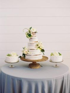 The Grandeur House Wedding with a Modern Farmhouse Style Summer Wedding Cakes, Wedding Cakes With Flowers, Blue Wedding, Spring Wedding, Used Wedding Decor, Wedding Decorations, Wedding Cake Inspiration, Modern Farmhouse Style, Romantic Weddings