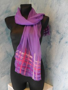 Silk scarf with Nuno felt purple with pink/red by Filzmanufactur