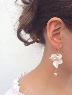 earrings enrich your daily life Simple earrings in your lifeA variety of earrings enrich your daily life Simple earrings in your life Clay blossom bridal earrings - Dewdrop blossom earrings - Style Simple Earrings, Diy Earrings, Bridal Earrings, Flower Earrings, Beautiful Earrings, Fashion Earrings, Statement Earrings, Jewellery Earrings, Diamond Earrings