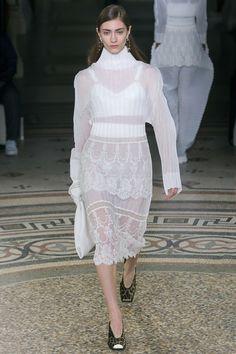 Stella McCartney Fall 2017 Ready-to-Wear Fashion Show - Marine Deleeuw (Elite)