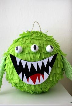 There's no fun celebration with smashing a pinata in it. These pinata craft ideas will make the party or celebration more special. Monster University Birthday, Monster Inc Party, Monster Birthday Parties, Monster Pinata, Diy For Kids, Crafts For Kids, Ghostbusters Party, Monster Decorations, Cute Happy Birthday