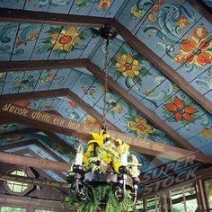 Norwegian style rosemaling painting on the ceiling - beautiful. Norwegian Style, Swedish Style, Scandi Style, Rustic Style, Norwegian Rosemaling, Deco Boheme, Home And Deco, Bohemian Decor, Bohemian Style
