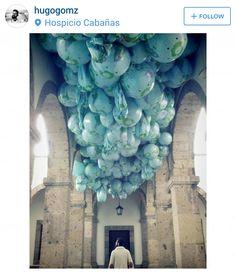Installation of 7,000 inflatable beach balls – Maximo Gonzalez :: Hospicio Cabañas, Guadalajara, Mexico