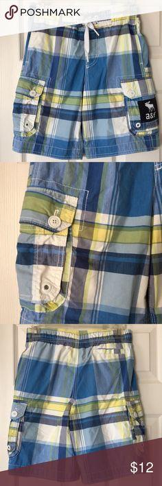 Abercrombie boys Med (10/12) swim trunks Abercrombie boys medium 10/12 blue and yellow plaid swim trunks with pockets. abercrombie kids Swim Swim Trunks