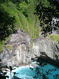 Glassy trail, Dominica