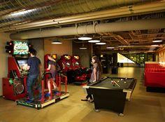 amazing-creative-workspaces-office-spaces-11-4.jpg (880×649)