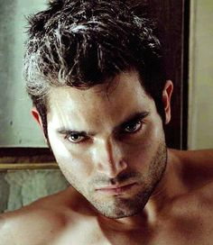 Tyler Hoechlin as Keith Summers; Nellana Chronicles. Probably with longer hair.