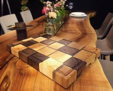 New life for leftover pieces of elm, ash, walnut and oak: our Stammdesign cuttingboards. Reuse Recycle, Recycling, Raw Materials, Walnut Wood, Wood Projects, Ash, Cutting Board, Lamps, Boards
