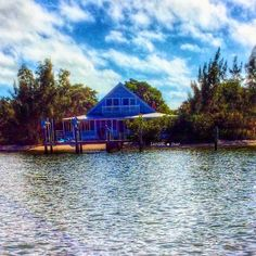 Life's short, buy the beach house #beachhouse #cottage #island #bungalow #islandhouse #saltair #saltwater #dingdarling #sanibel #islandgirl #islandlife #captiva #staysalty #pineislandsound #visitfl #sanibelstar #oceanlove #sanibelisland #captivaisland #matlacha #naples #ftmyersbeach