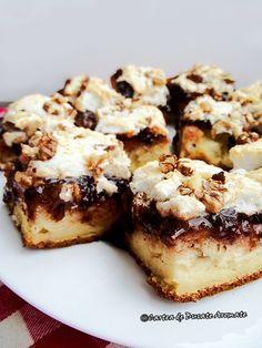 Prăjitură cu gem şi bezea Romanian Desserts, Romanian Food, Beste Brownies, Food Processor Recipes, Catering, Sweet Treats, Bakery, Food And Drink, Healthy Recipes