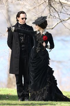 Tom Hiddleston, Jessica Chastain, Charlie Hunnam and Mia Wasikowska film scenes for Guillermo del Toro's new movie 'Crimson Peak'