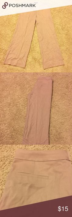 Banana Republic Linen Wide Leg Pants Amazing Linen Blend Banana Republic Pants, size 6P. Wide Leg. Fitted Around Waist Amazing Shape.  Like new, only worn one and then dry cleaned. Soft rose colored. Bundle and save 20%!! Banana Republic Pants Wide Leg