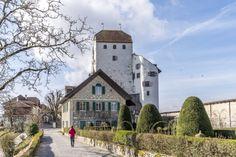 Ausflugsziele Schweiz: 99 Ideen für einen tollen Tagesausflug S Bahn, Switzerland, Mansions, Kanton, House Styles, Travel, Fitness Workouts, Home Decor, Kinds Of Birds