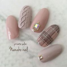What Christmas manicure to choose for a festive mood - My Nails Nail Manicure, Gel Nails, Acrylic Nails, Nail Polish, Xmas Nails, Holiday Nails, Christmas Nails, Plaid Nails, Sweater Nails