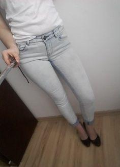 #vintedpl http://www.vinted.pl/damska-odziez/rurki/15118432-jasny-jeans-rurki-mohito-36
