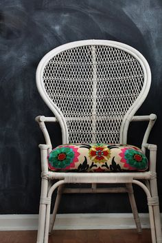 "Vintage Rattan Chair with bright floral fabric ""Waverly Santa Maria Desert Flower"""