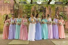 Madrinha de Casamento - Ideias para Vestidos de Madrinhas de Casamento#madrinha #madrinhadecasamento #madrinhasdecasamento #vestidomadrinha#vestidomadrinhadecasamnro #vestidodefesta #vestidobordado #vestidodecotado #vestidolongo #vestidodenoiva #vestidodecasamento