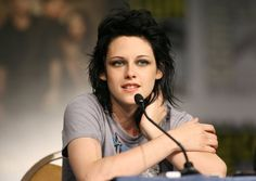 Pin for Later: Relive More Than a Decade in the Spotlight With Kristen Stewart 2009